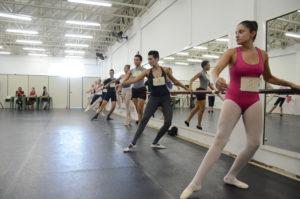 Fundacc seleciona 8 bailarinos para Corpo de Baile de Caraguatatuba